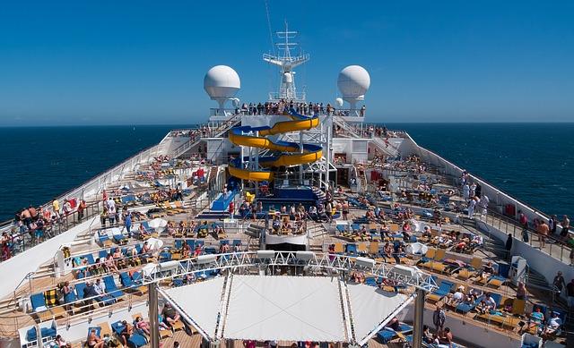 cruise-1236642_640.jpg